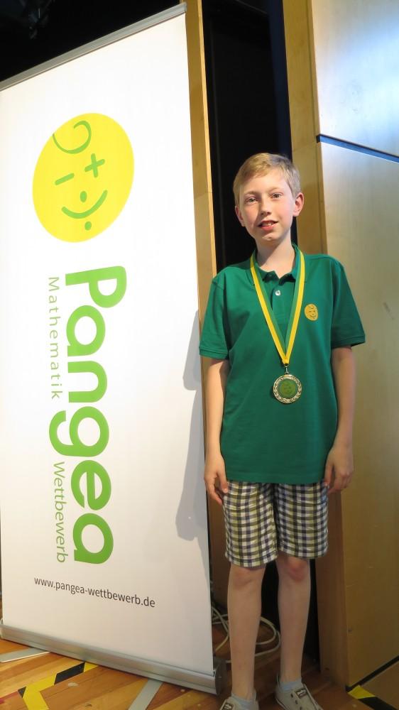 Thilo Berndt (Klasse 5c) ist Zweiter bei Pangea-Wettbewerb