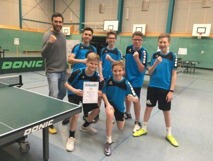 AGO-Team schlägt im Tischtennis bestens auf