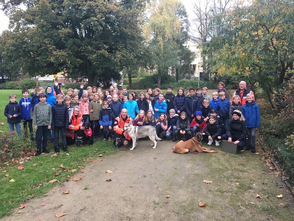 Rettungshundestaffel begeistert unsere Jüngsten