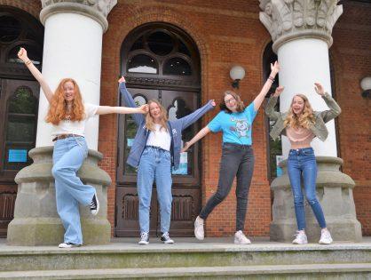 Unsere Mädels holen den 1. Platz im Bundeswettbewerb Wirtschaft!